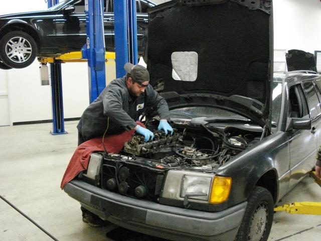 Mercedes Repair Louisville Mercedes Benz Service Center In - Authorized mercedes benz repair shops